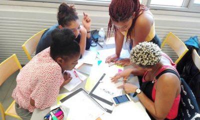 élèves agile qui étudient